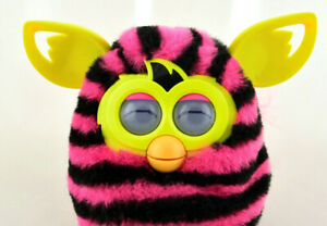 🏵️FURBY Boom 2012 Pink Black Stripes Yellow ~Hasbro Talking Toy~Tested-Works