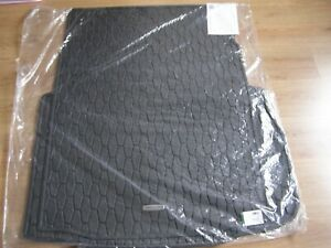 NEW GENUINE JAGUAR XF RUBBER BOOT MAT WITH SPACESAVER SPARE WHEEL H/DUTY T2H7744