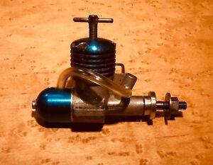 Vintage AM 15  Diesel model aeroplane, airplane engine, + 3 Parts engines