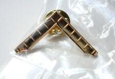ZP278 Freemason Masonic lapel pin badge Geometry Square