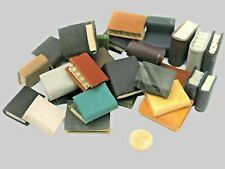 10 alte Bücher mit Ledereinband Dollmafando Miniatur Puppenhaus Puppenstube 1:12