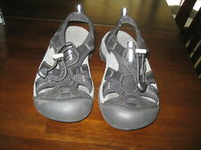 Keen Children's Shoes Size 5  69.00 new