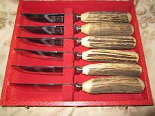 Un set con montante delle sei cervo Antler manipolati STEAK Knives