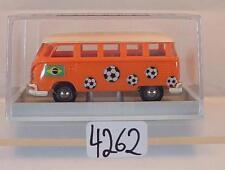 Brekina 1/87 Volkswagen Bulli VW T1b Bus Fußball Brasilien Brasil OVP #4262