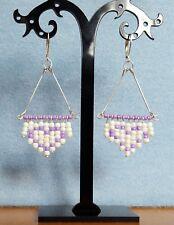 Hecho a mano con cuentas Blanco Y Púrpura Negrita Corazón Diseño Pendientes Strand