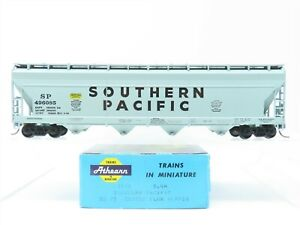 HO Scale Athearn Kit 1911 SP Southern Pacific 4-Bay Center-Flow Hopper #496085