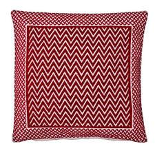 Cuscini rossi in misto cotone per la decorazione della casa