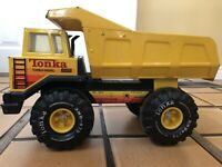 Mighty Tonka Turbo Diesel Dump Truck Pressed Steel XMB-975 construction 1980's