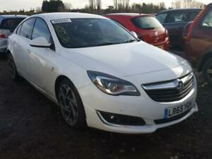 BREAKING VAUXHALL INSIGNIA S 2015 IN WHITE COLOUR