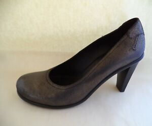 Donald J Pliner shoes size 10M bronze heels made in Italy