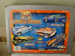 Hot Wheels Highway 35 World Race 35 car case