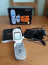 Motorola V500-Plateado (Naranja) Teléfono Móvil