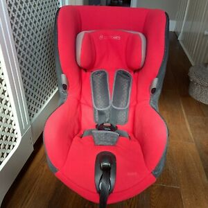 Maxi Cosi Axiss Swivel Baby/ Child Car Seat 9months to 4 years Group 1