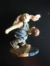 Boyds Bears and Friends---buzz...the flash--basketball--1995