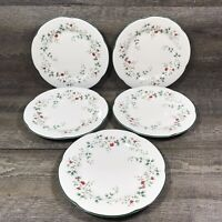 Pfaltzgraff WINTERBERRY Dinner Plates Christmas Holly Berries Stoneware Lot of 5