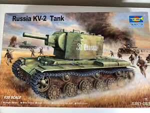 Trumpeter 00312 1/35 Russia KV-2 Tank - Started; Complete