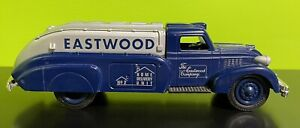 ERTL The Eastwood Company Diecast Truck Bank 1939 Dodge Airflow