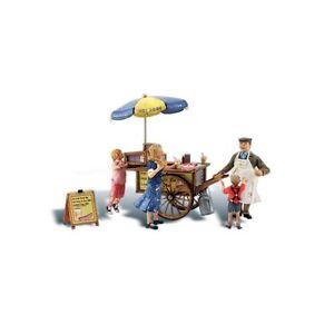Wally's Wiener Wagon (OO/HO figures) Woodland Scenics A1945 B3