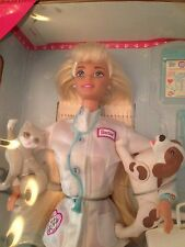 PET DOCTOR BARBIE DOLL VET- Mattel 14603- 1996 NRFB BLONDE Sounds Still Work!