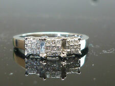 Stunning 10ct white gold 27 diamond 0.25ct Ring GREAT SPARKLE VVS1 JU3