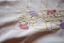 Nappe N°55 ancienne en lin et fil de lin  185 x 112 cm liteaux broderies fleurs