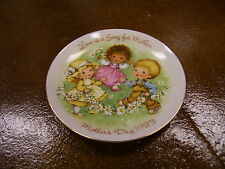 Mother's Day Plate 1983 Love Is A Song For Mother Avon New