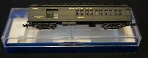 Bachmann N Scale Santa Fe Lighted Passenger 53-1041-02 in Good Condition!
