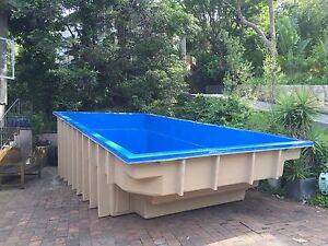 FRANKS POOLS / Fibreglass Swimming Pools / Kit Pools / Above Grnd 7 x 3.5mtr