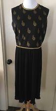 Vintage ALFRED SHAHEEN Black Gold Leaf dress pleated size 8 Hawaiian