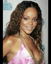 RIHANNA 8X10 PHOTO PICTURE PIC HOT SEXY SMILE BIG BOOBS CLOSE UP 78