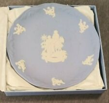 "Wedgwood Blue Christmas Plate Nib Year 2000 Flight Into Egypt 7 1/2"" Diameter"