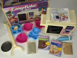 Vintage 1983 Easy Bake Oven w/ Box, Instructions, Original Mixes & Accessories