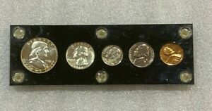 1961 US MINT PROOF COIN SET ~~ 90% SILVER ~~ in Black Plastic Holder (61A)