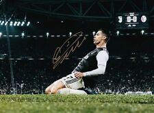 ** CRISTIANO RONALDO ** Juventus F.C. Autographed 8x10 Photo (RP)