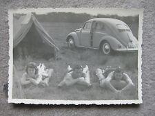 Oldtimer Foto VW Käfer Brezel Ovali Camper nude Zeltplatz Camping 50er Zelten