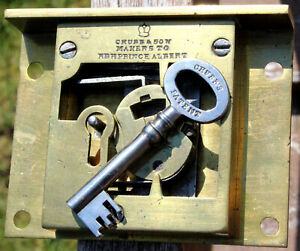 Chubb Lock number 124943 (1841: Prince Albert's Warrant), with original key