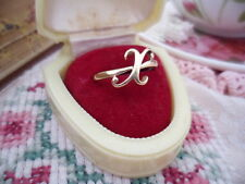 VINTAGE 9 ct GOLD RING SIZE N or 7 with 9ct INITIAL CC  or an X for a kiss