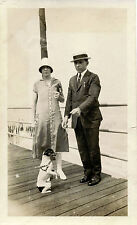 COUPLE OUTING AND PLAYING WITH THEIR DOG & ORIGINAL VINTAGE SNAPSHOT PHOTO