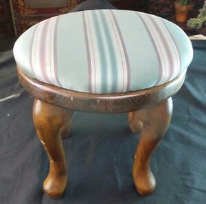 VINTAGE HEAVY COLONIAL WOODEN OAK STOOL WITH GREEN CUSHION