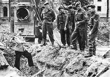 WW2 - Photo - Fosse où ont été enterrés Hitler et Eva Braun à Berlin