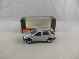 Maisto 11001 Mercedes Benz ML 320 in Silver scale 1:64 Boxed 2000