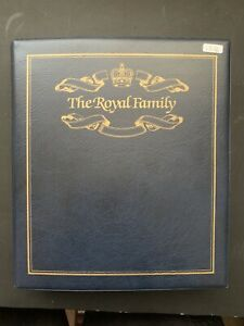 Blue Padded Royal Family Album With 18x Coin Covers 1996 QE2 70th Birthday (1376