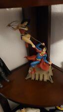 💥 WONDER WOMAN VS SUPERMAN STATUE -DC COMICS-  USED
