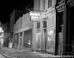 Hamms Beer on Tap, Pierre, South Dakota - 1940 - Vintage Photo Print