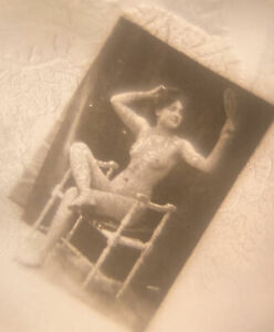 1900s French Stanhope Ring Nude Woman Art Photograph Sitting Peep Risque Sz 10