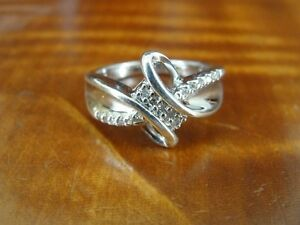 Ribbon Look with Cubic Zirconia Stones Sterling Silver 925 Ring Size 7