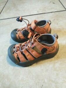 Keen toddler 9  orange Sandals
