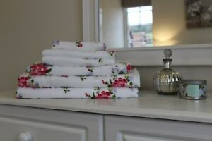 White Rose Floral Printed 100% Cotton Towel 400 Gsm