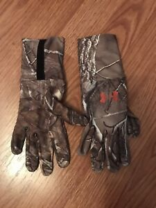 Under Armour Realtree Xtra Camo Hunting Liner Gloves-M