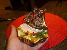 Souvenirs de Bord de Mer Cendrier en Faïence Bateau Voilier H Bequet Quaregnon